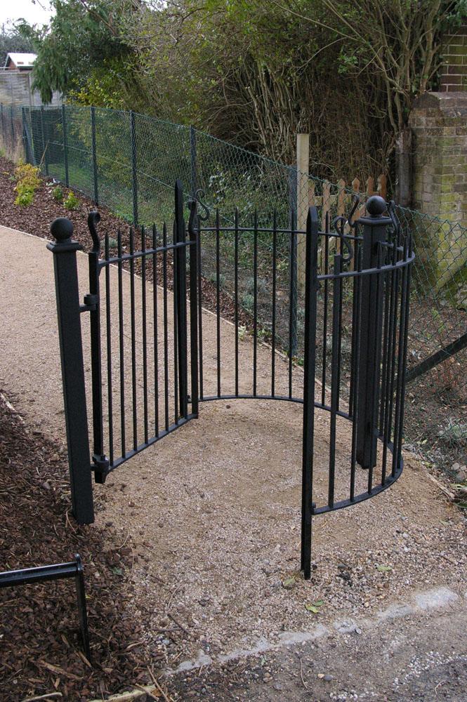 Bengeo kissing gate restoration