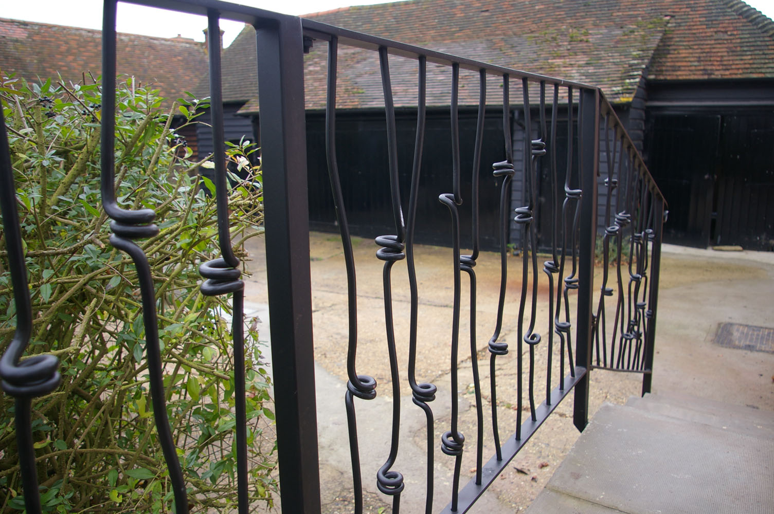 \'Knotted bar\' railing detail